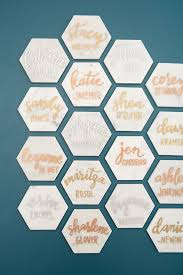 diy place cards these diy hexagon marble tile place cards are a must see