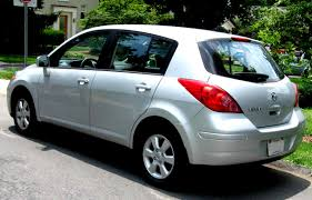 nissan tiida versa sedan 2011 on motoimg com