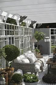 meuble deco design salon de jardin pour embellir une véranda vitrée design feria