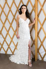 wedding dress designs desiree hartsock debuts wedding dress collection