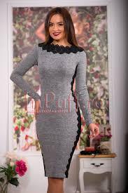 rochii de zi rochie de zi gri accesorizata cu broderie neagra