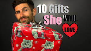 10 affordable gift ideas she will love under 30 inexpensive