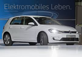 golf volkswagen 2017 volkswagen e golf electric car 2017 photos features business