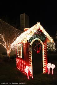 Tasteful Outdoor Christmas Decorations - best 25 santas workshop ideas on pinterest office christmas