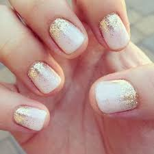 35 simple yet adorable wedding nails