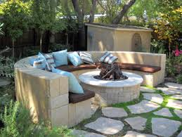 California Fire Pit by Laurie Callaway Garden Design
