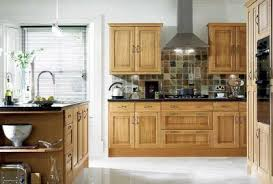 what color backsplash with honey oak cabinets ask how to coordinate finishes with oak cabinets