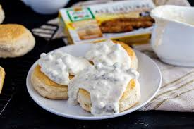biscuits and chicken sausage gravy eazy peazy mealz