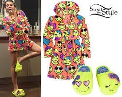 emoji robe miley cyrus emoji print robe slippers steal her style