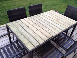 Diy Patio Table Top Diy Patio Table Using Fence Boards Great Solution For Glass Tops