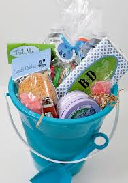 Welcome Baskets For Wedding Guests Step By Step Guide To Creating Wedding Welcome Baskets Divya