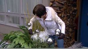 how to make a holiday planter video hgtv