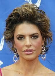 what is the texture of rinnas hair hairstyles lisa rinna short textured hairstyle sophisticated