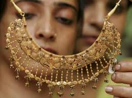 govt rolls back 1 tax on purchase of gold jewellery