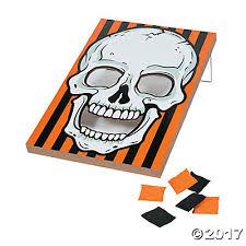 halloween skull bean bag toss game