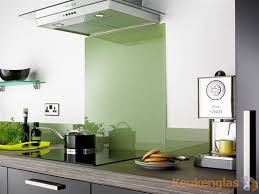 keukenglas levert en plaatst jouw keuken achterwand van glas in