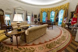 spot the change in president trump u0027s oval office the atlantic