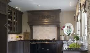 grand placard cuisine meuble jalousie cuisine stunning luabri cach derrire le rideau