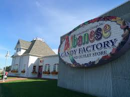 gummy factory indiana s sweet spot albanese candy factory the indiana insider