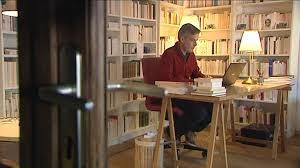 bureau d ecrivain beaugency 45 l écrivain tanguy viel invite ses lecteurs à un