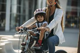 faire du vélo avec un bébé en sécurité