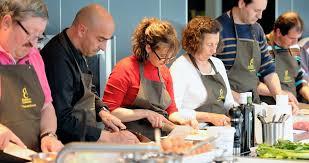 coffret cadeau cours de cuisine coffrets cadeaux cours de cuisine de pâtisserie et de sommellerie