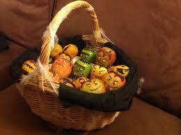 halloween gift baskets ideas halloween traktatie mand creatief pinterest
