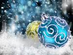 Wallpapers Backgrounds - Christmas balls snow wallpapers (eng Year wallpapers pictures originals Christmas balls snow zastavki 2560x1920)