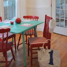 Cottage Kitchen Tables by Pretty Wooden Chairs For Kitchen Table Sortrachen