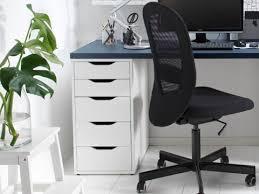 bureau ikea cool bureau informatique ikea desks hackers beraue mikael bois pas