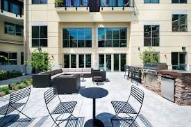 Apartment Courtyard Axis Rentals Indianapolis In Apartments Com