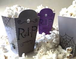 321 Best Diy Halloween Images On Pinterest Halloween Wreaths by 25 Best Halloween Plates And Napkins Images On Pinterest