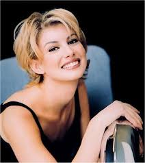 trisha yearwood short shaggy hairstyle 177 best female country singers images on pinterest beautiful