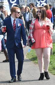 aintree races becomes a catwalk for ladies on day one of grand