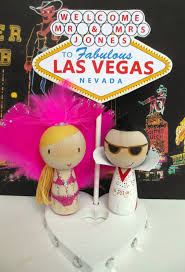 elvis cake topper las vegas showgirl and elvis cake topper with las vegas heart