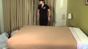 How To Make A Bed Like A Pro Housekeeping Step By Step Bedmaking Youtube