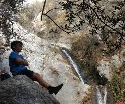 kid friendly waterfall hikes in los angeles