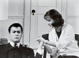 une vierge sur canapé and the single 1965 de richard quine avec tony curtis
