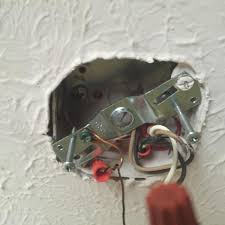 Ceiling Electrical Box by Will This Electrical Box Support A Ceiling Fan Doityourself Com