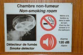 hotel chambre fumeur attention hôtel non fumeur vos droits