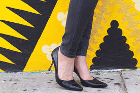 secrets to a classic wardrobe black pumps by living with claire