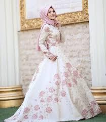 gaun muslim 25 inspirasi desain gaun pesta muslim terbaru 2018 hijabtuts