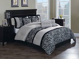 zebra bedroom decorating ideas safari in pleats sweet peaches bedding home ideas pinterest