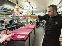 le chef en cuisine il fait de la cuisine un populaire l humanité