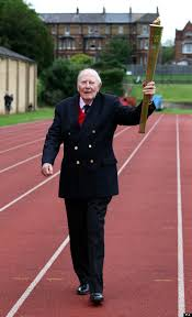 Roger Banister London 2012 Sir Roger Bannister Lifts Olympic Torch At Four
