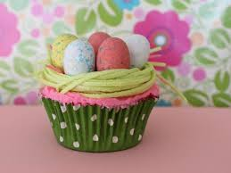 Easter Decorations For Cupcakes by Best 25 Edible Easter Grass Ideas On Pinterest Happy Easter