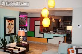 www livingroom the real mtv s the real world houses suiteme living
