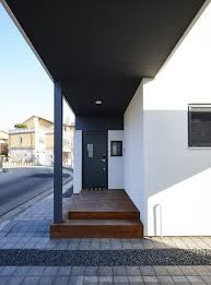 small two story house with efficient interior circulation idea
