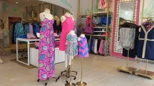 lilly pulitzer stores lilly pulitzer store opens at coconut point