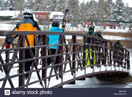 skis and queue stock photos u0026 skis and queue stock images alamy